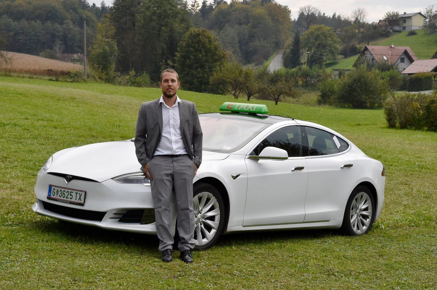 Alexander Thalhammer mit E-Taxi